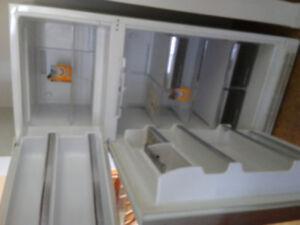 Réfrigérateur frigidaire Jenn Air blanc
