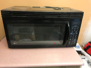 LG Microwave with Exhaust
