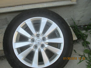 "16"" 4 OEM Toyota alloy rim"