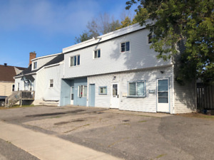 Large One bed unit  available- vacant now PLUS heat and Hydro