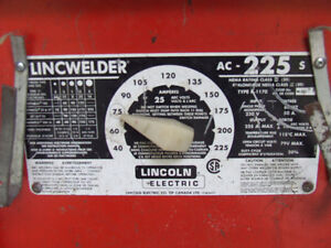 Soudeuse Lincoln electric a l'arc 225 amps
