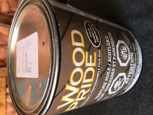Dulux deck stain.  Brand new.