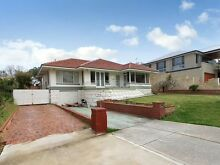 Big 5 bedroom house opposite golf course Yokine Stirling Area Preview