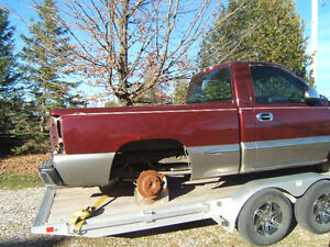 Parting Out Several 2001 and Up Chev/GMC Trucks 2&4 Wheel Drive Kitchener / Waterloo Kitchener Area image 4