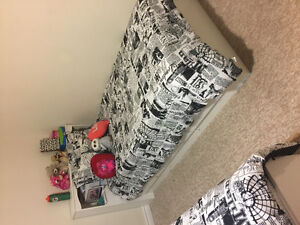 Two twin beds with headboards and drawers from the brick. London Ontario image 2