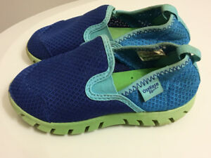 Water Shoes $5 Size 9