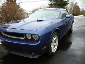 2009 Dodge Challenger Coupe (2 door)