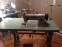 machine a coudre ,fer,table,steamer