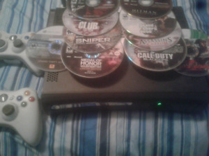 Xbox 360, 2 controllers, 10 games and wifi antenna