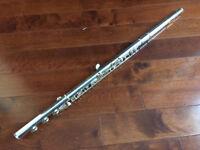 Musicienne flute traversiere