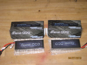 d9c4645ccb9ef1 2 Lipo Batteries + Charger   Brand New