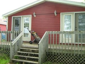 Fall River, Waterfront Bachelor Duplex Cabin