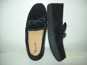 NEW BOAT SHOES WALLABE STYLE ORiGiNAL FOAMTREADS SUEDE Size 9