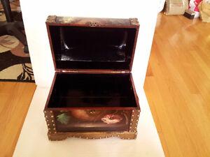 Handpainted wooden nesting box storage chest London Ontario image 4
