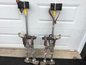 Stilts for seamfilling