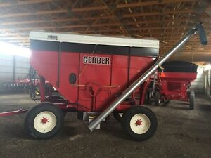 Seed and fertilizer wagon