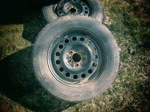 pneu toyo à vendre