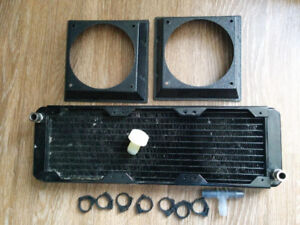 Radiateur dual pass pour water cooling, incluant fittings
