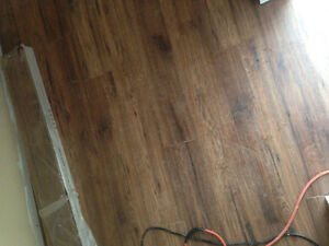 Laminate click flooring