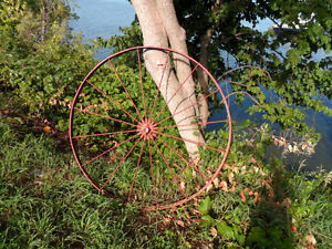 Old Vintage Wagon Wheel ,Many Possibilities,applications