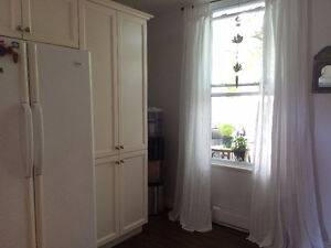 CHARMING upper Duplex NDG to share with FEMALE Aug, Sept or Oct