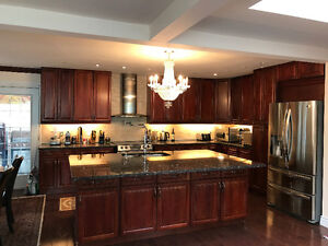kitchen / kitchen cabinets/ armoires de cuisine