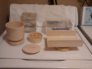 Vintage Rubbermaid Bath Collection-Cosmetic Centre & Towel Hold