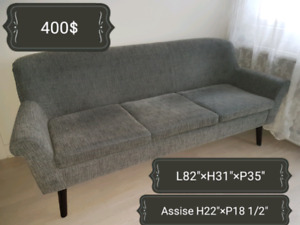 Sofa gris style Mid-Century de La Baie