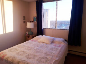 Roommate Wanted / A bright bedroom in 2-bdrm art. / Sask Dr /