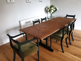 Extendable solid Oak Dining table with 6 chairs