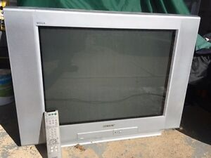 "Gamer's 32"" Sony Wega TV Regina Regina Area image 1"