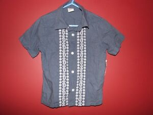 OLD NAVY Boy's Button up shirt - Size 2T - Brand new!