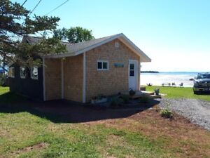 Beachfront 3 bedroom cottage in Cape John