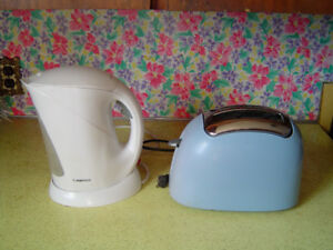 TOASTER AND ELECTRIC KETTLE