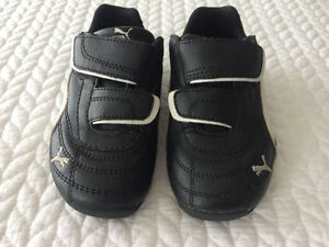 Puma Running Shoes Size 9 US West Island Greater Montréal image 1