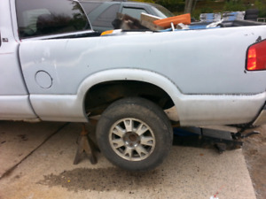 Chevy s10 truck box in mint condition !