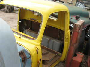 Western 1954 Chevrolet/GMC Half ton Cab,sell or trade London Ontario image 3