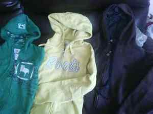 Young ladies/women's sweaters/sleeve shirts/ winter jacket London Ontario image 5