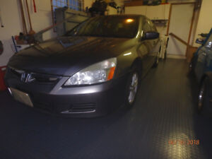 2006 Honda Accord EX-L - Clean, Well Maintained, LOW KMs $ 4,399