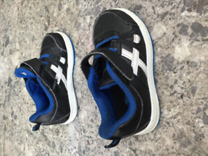 Toddler Size 6 Runners