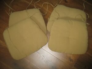4 padded chair cushions