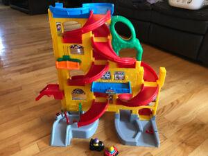 Lot jouets bébé 0-24 mois et enfants