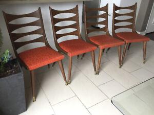 4 Chaises de Cuisine en Noyer * Vintage *  Walnut Kitchen Chairs
