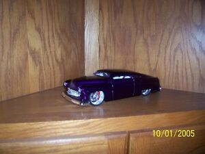 9 1/18 Scale Diecast Cars