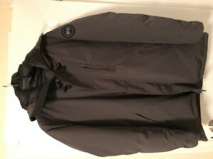Men's Canada Goose Chateau Parka in large. Brand new condition