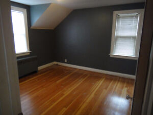 Mohawk Student Room for Rent-5 mins from College!