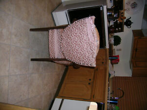 Vintage Antique  Arm Chair  . needs Uphostering Kitchener / Waterloo Kitchener Area image 3