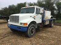 1994 international 4900 single axle winch bed truck