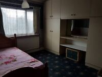 Stunning Large Double room available to rent at GREENFORD - £ 160 / Week ( Singles / couples )