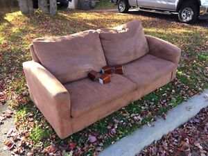 Free couch in Dartmouth